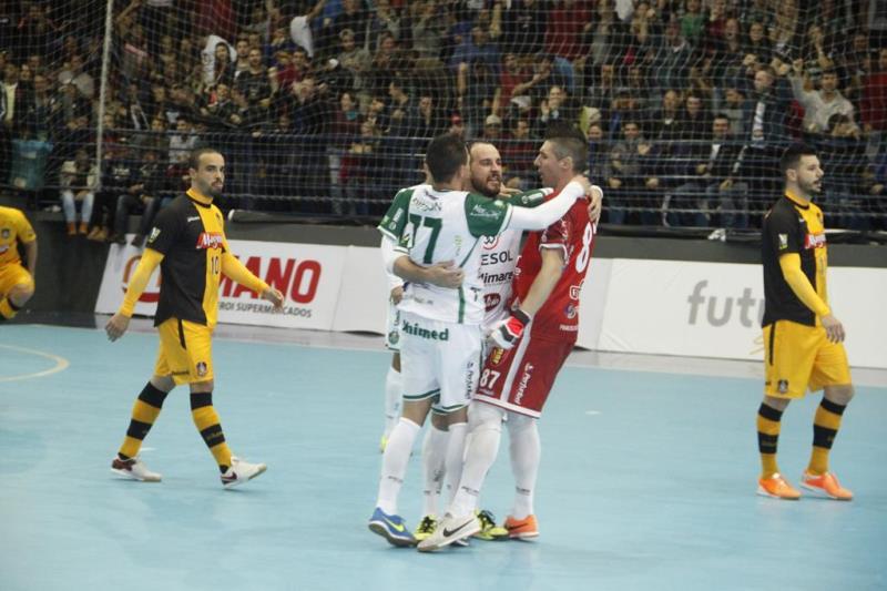 0601e0ae02 Marreco Futsal - Cresol Marreco vence o Magnus de virada no Arrudão